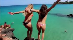 Uçurumun Kenarından Atlayan Cesur Kızlar