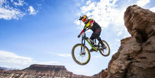 Red Bull'dan bisikletle neler yapılabileceğini gösteren MTB yarışması
