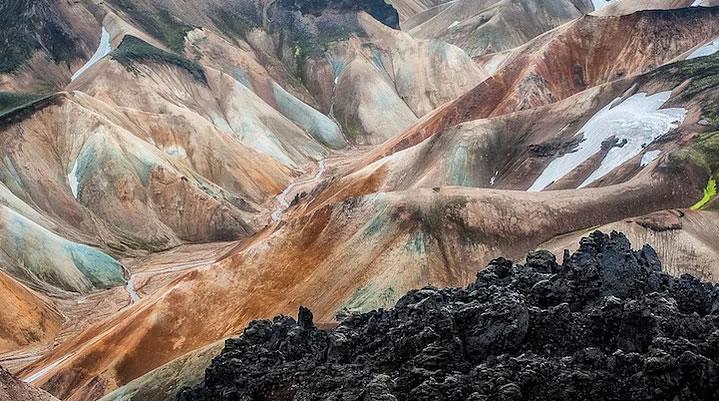 İzlanda'nın Bu Dünyadan Bir Ülke Olmadığını Kanıtlayan 12 Kare