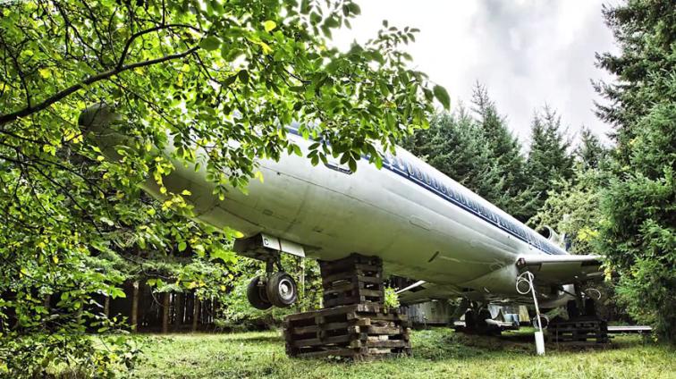 Bu Adam Bir Boeing 727'nin İçinde Yaşıyor